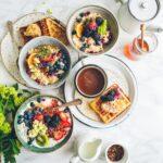 12 pomysłów na zdrowe śniadanie według dietetyków